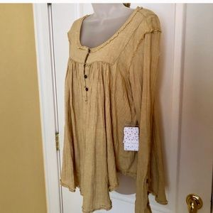 Free People Tops - 🌟FREE PEOPLE Top Cotton Raw Seam Long Sleeve